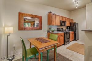 1385 W University Avenue, 208, Flagstaff, AZ 86001