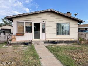 1010 N Warren Avenue, Winslow, AZ 86047