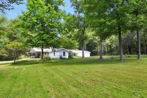 69L Windrow Lane, New Canaan, CT 06840