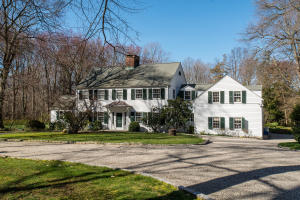 20 Father Peters Lane, New Canaan, CT 06840