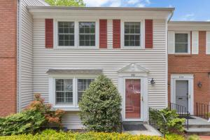 258 Park Street, 4, New Canaan, CT 06840