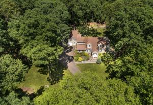 Gorgeous 4 acre property