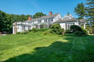 125 West Road, New Canaan, CT 06840