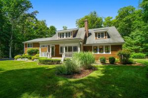 392 Mariomi Road, New Canaan, CT 06840