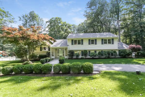 91 Pocconock Trail, New Canaan, CT 06840
