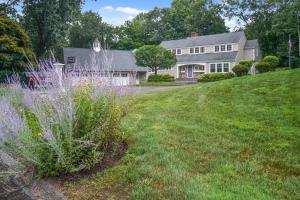 63 Fitch Lane, New Canaan, CT 06840