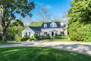 719 Valley Road, New Canaan, CT 06840