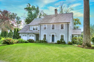 42 Kimberly Place, New Canaan, CT 06840