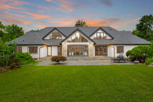 19 Four Winds Lane, New Canaan, CT 06840