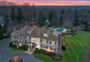214 Sunset Hill Road, New Canaan, CT 06840
