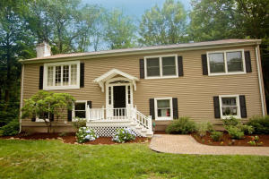 111 Betsys Lane, New Canaan, CT 06840