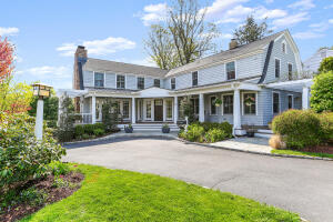 19 Brinckerhoff Avenue, New Canaan, CT 06840