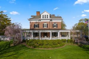 757 Oenoke Ridge, New Canaan, CT 06840