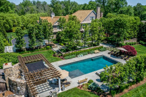 129 Skyview Lane, New Canaan, CT 06840