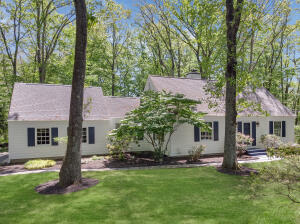 789 Cheese Spring Road, New Canaan, CT 06840