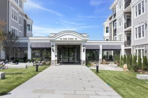 160 Park Street, 302, New Canaan, CT 06840