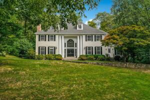 82 Twin Pond Lane, New Canaan, CT 06840