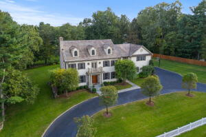 85 Thurton Drive, New Canaan, CT 06840