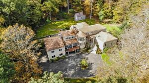 628 Valley Road, New Canaan, CT 06840