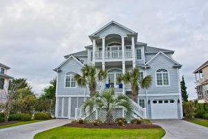 Meticulously landscaped Custom-Built home in Sea Isle Plantation