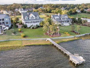 406 Sandfiddler Court, Morehead City, NC 28557