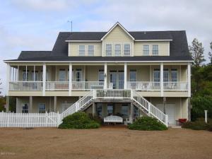 111 MAXWELL Drive, Harkers Island, NC 28531