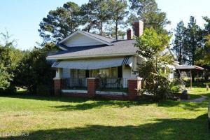 837 Nine Foot Road, Newport, NC 28570