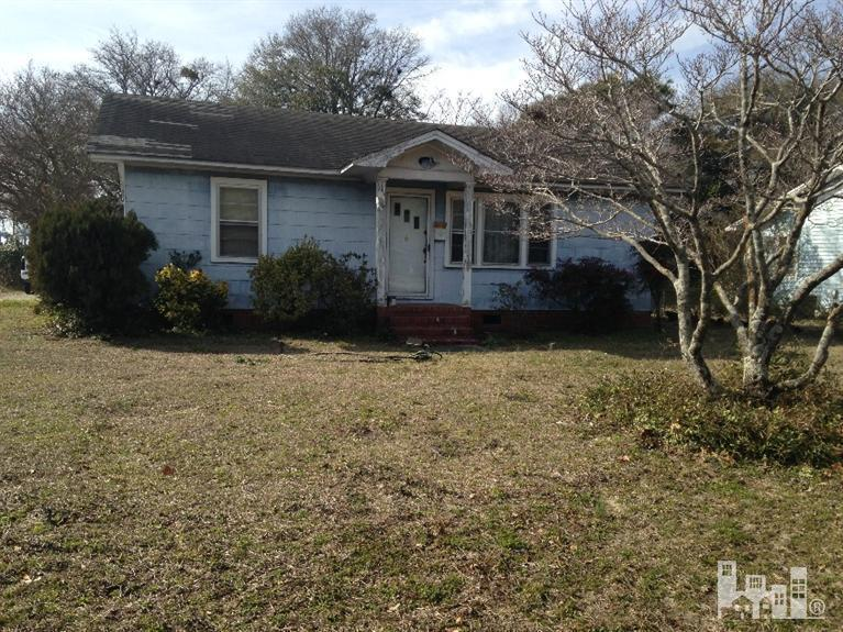 2450 Jefferson Street- Wilmington- North Carolina 28401, 2 Bedrooms Bedrooms, 6 Rooms Rooms,1 BathroomBathrooms,Residential,For Sale,Jefferson,30517828