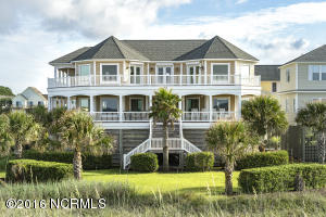 121 SE 67th Street, Oak Island, NC 28465