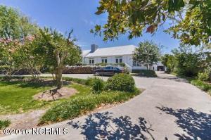 846 Island Road, Harkers Island, NC 28531