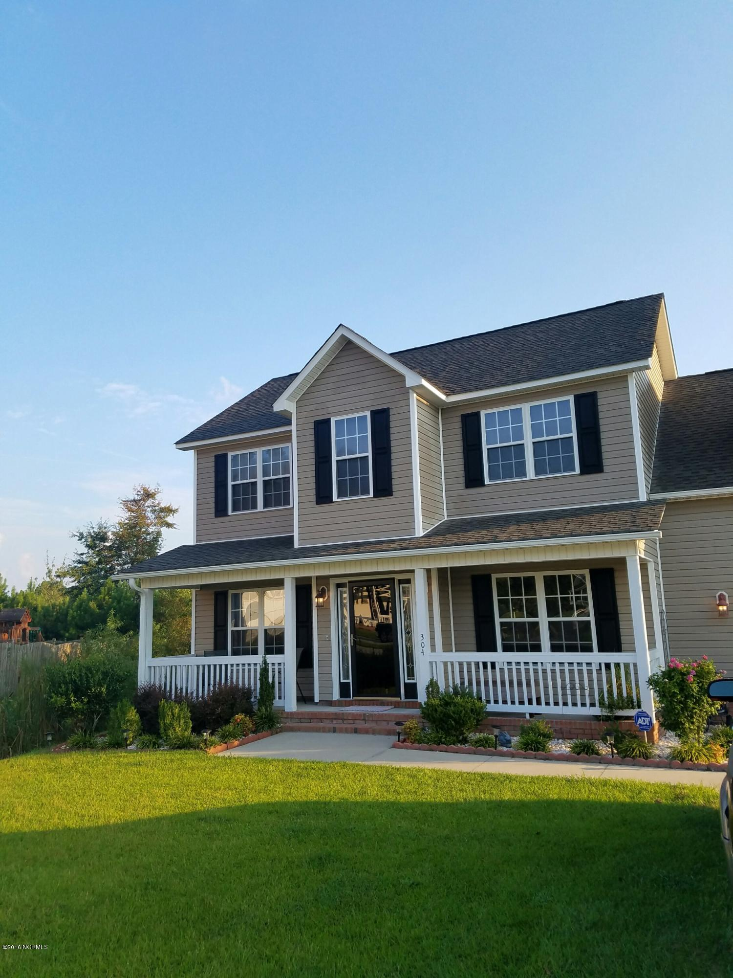 304 Honey Court West Drive, Jacksonville, North Carolina 28540, 4 Bedrooms Bedrooms, ,2 BathroomsBathrooms,Residential,For Sale,Honey Court West,11501466
