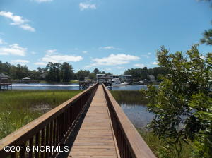 2648 Mariners Way, Southport, NC 28461