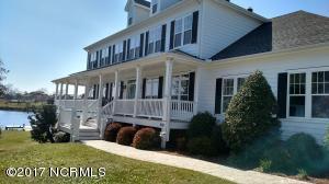 420 S Chestnut Street, Swansboro, NC 28584