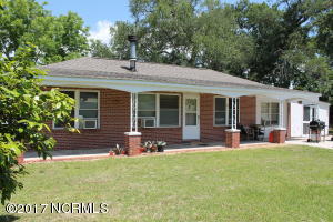 2334 Crab Point Loop Road, Morehead City, NC 28557
