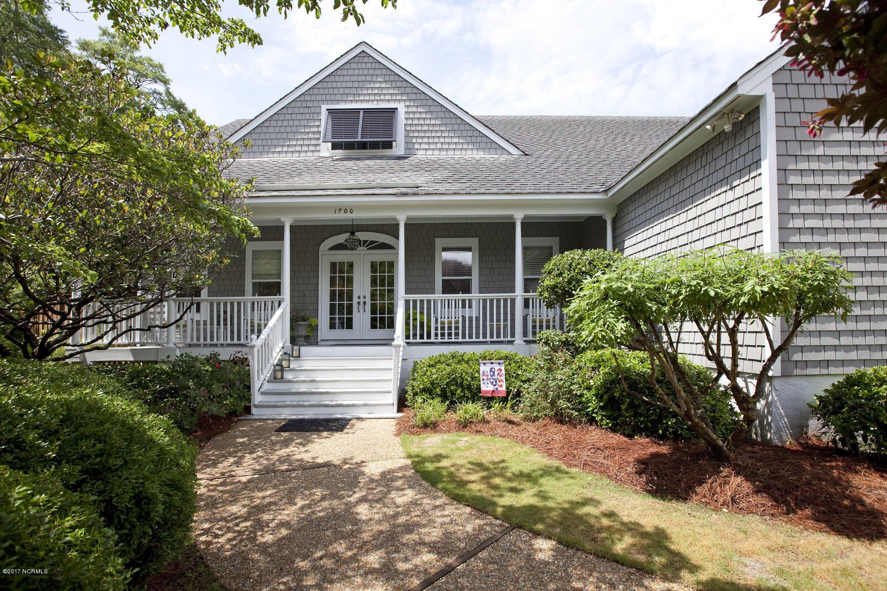 1700 Trey Court, Wilmington, North Carolina 28403, 5 Bedrooms Bedrooms, 13 Rooms Rooms,4 BathroomsBathrooms,Residential,For Sale,Trey,100064587