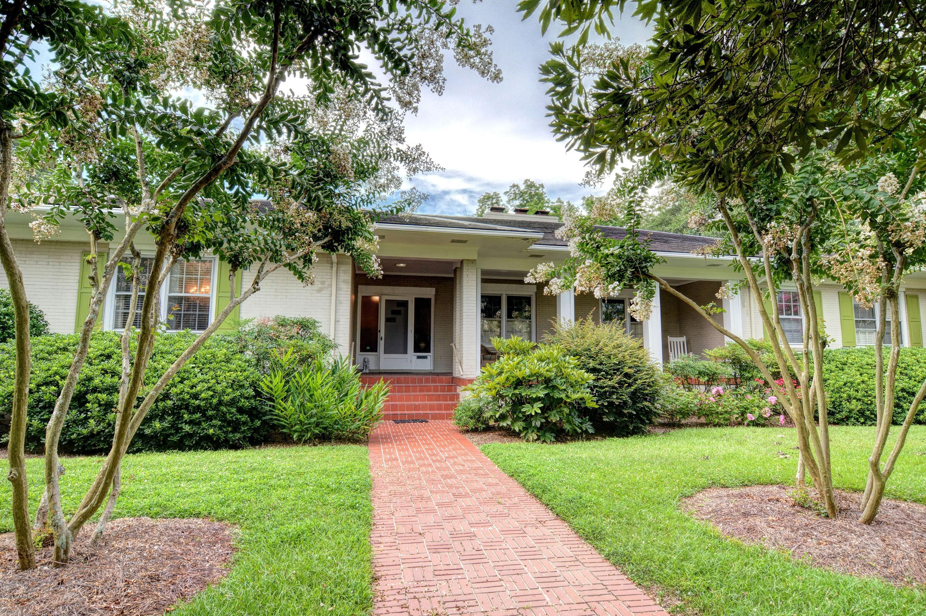4 Forest Hills Drive Wilmington, NC 28403