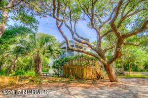 148 Salter Path Road, Pine Knoll Shores, NC 28512