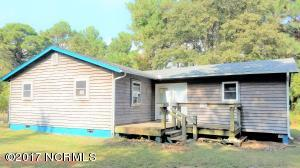 246 Lee Daniels Road, Atlantic, NC 28511