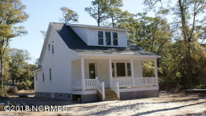 1108 N Caswell Avenue, Southport, NC 28461