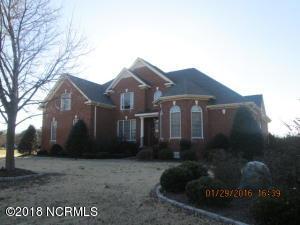 5813 Castle Court, Elm City, NC 27822