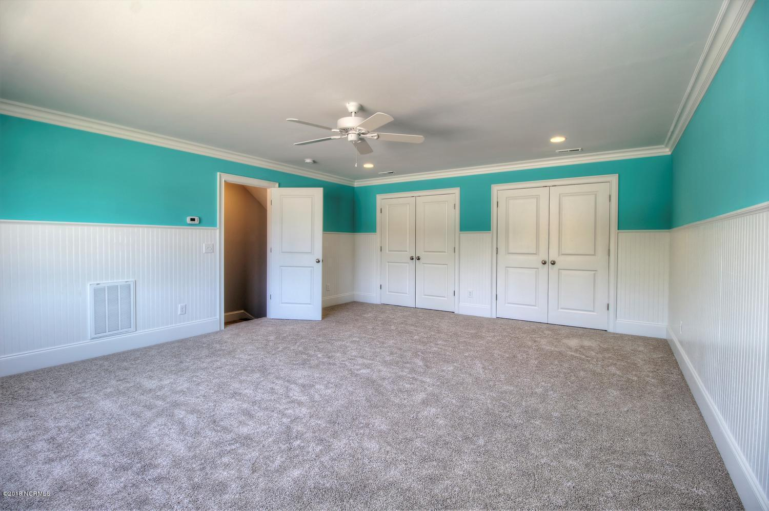 1014 Softwind Way Southport, NC 28461