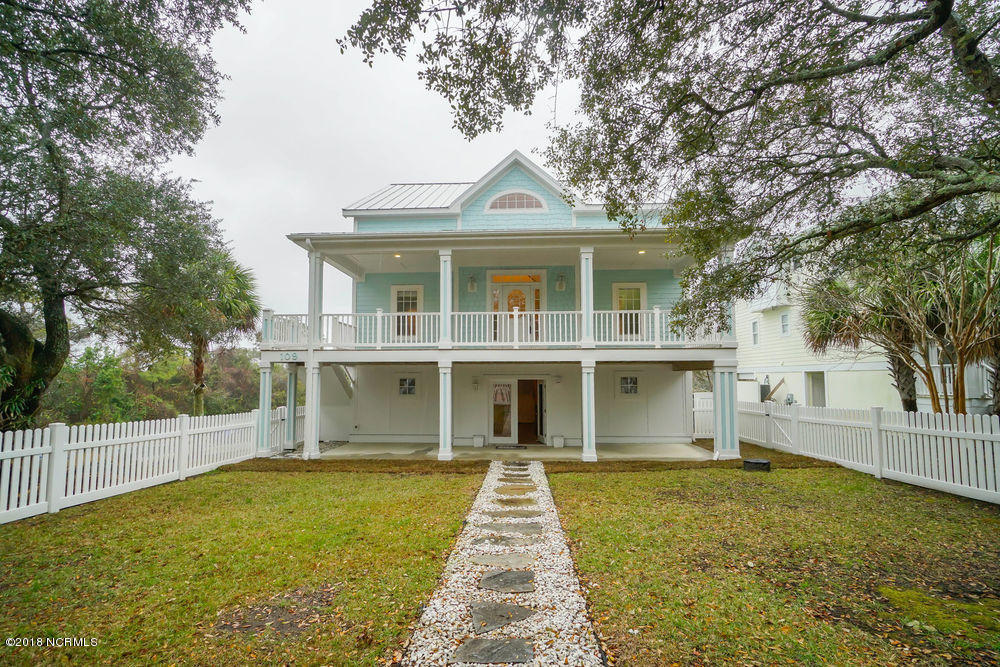 109 SE 36TH Street Oak Island, NC 28465