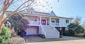Fans of the TV series Revenge will remember this as Emily's beach house.