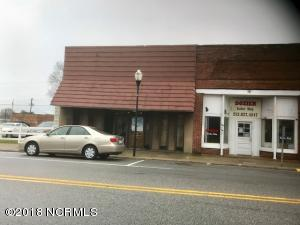 113 W Hamlet Street, Pinetops, NC 27864