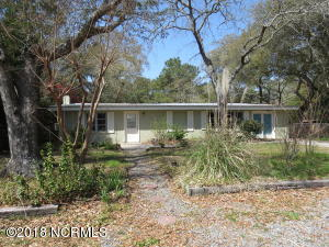 159 NW 8th Street, Oak Island, NC 28465