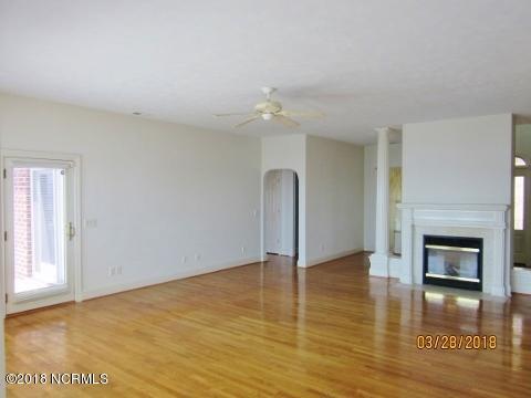416 E Bay Street Southport, NC 28461