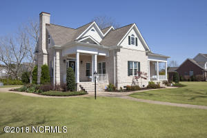 201 E. Colonnade is a Southern Living plan that is grand and gorgeous inside and over 4000 square feet!