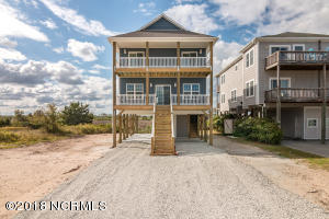 1225 N New River Drive, Surf City, NC 28445