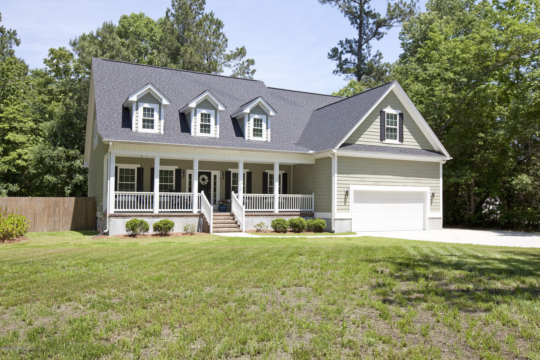 112 Spring Chase Lane, Rocky Point, North Carolina 28457, 4 Bedrooms Bedrooms, 15 Rooms Rooms,4 BathroomsBathrooms,Residential,For Sale,Spring Chase,100113429