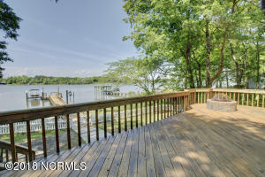 831 Chadwick Shores Drive, Sneads Ferry, NC 28460